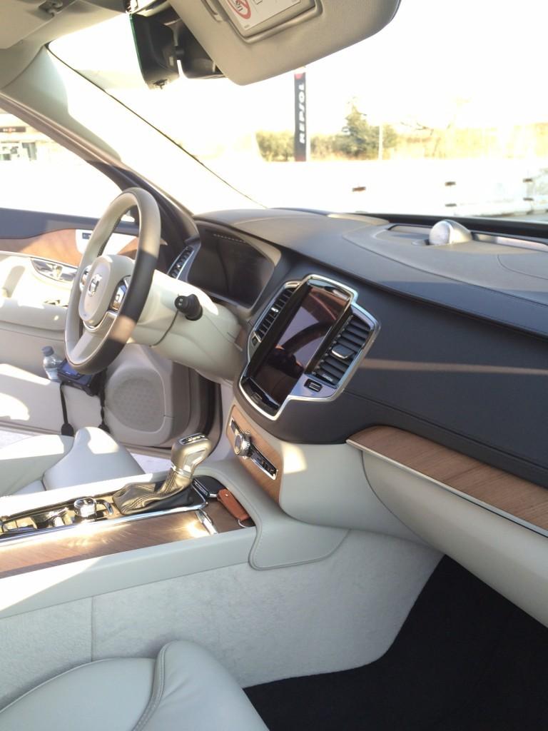 Volvo-XC90-Internior-e1424360358297-768x1024